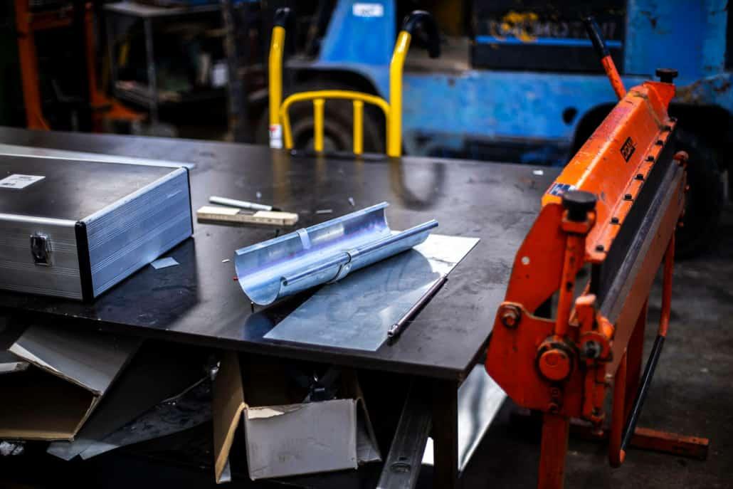 Arbejdsbord og værktøj